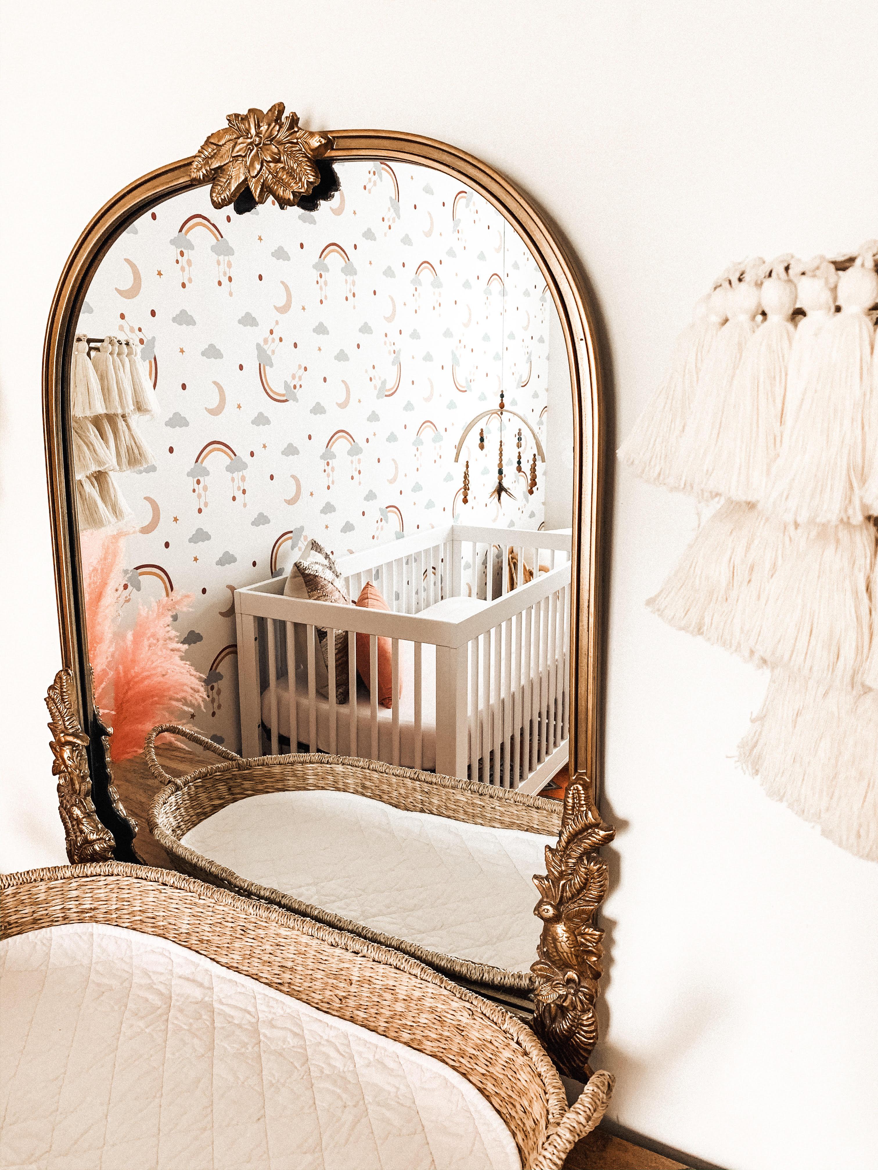 Primrose Mirror with Changing Basket