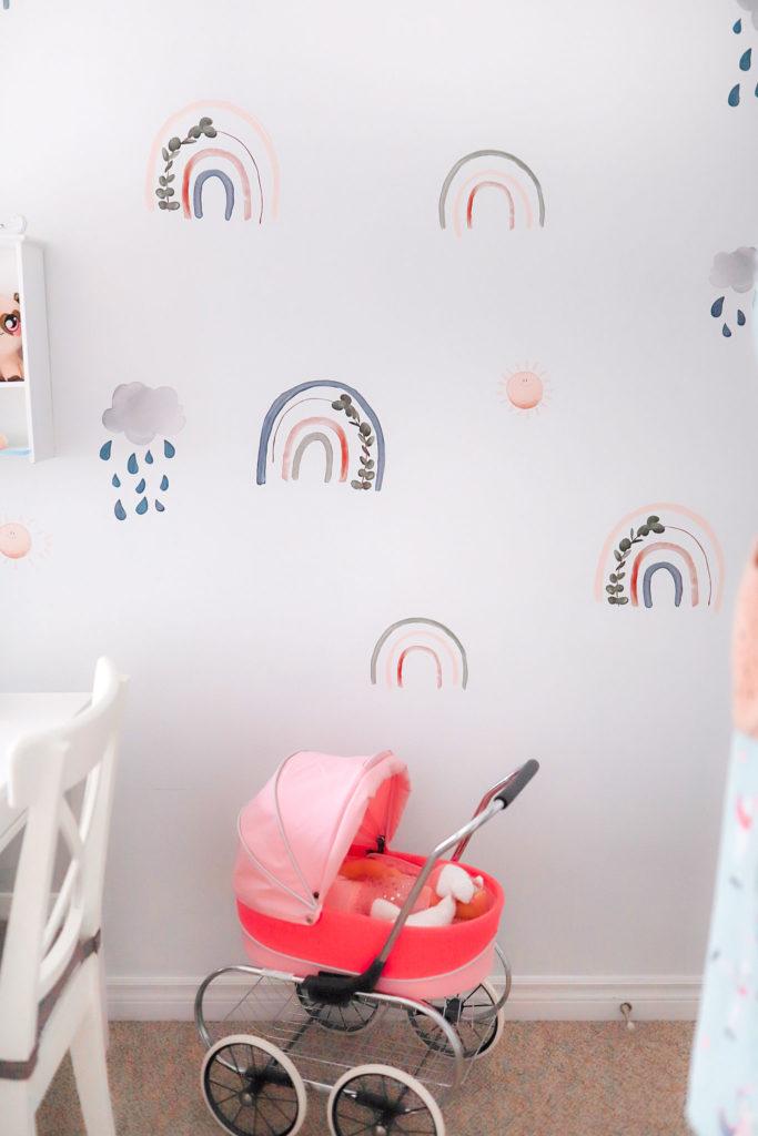 baby girl nursery rainbow