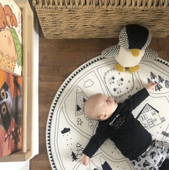 Playrug with baby and plush